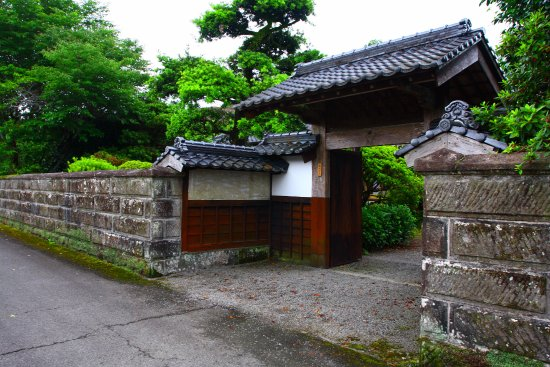 Miyakonojo, Jepang: 武家屋敷らしい門構え(個人の居宅ですので、来訪時はご配慮下さい)