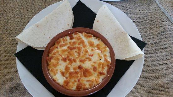 Mairena del Aljarafe, Hiszpania: Quesadilla de pollo y queso