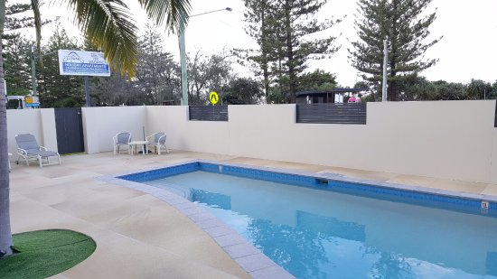 Burleigh Heads, Australia: Outdoor Heated Pool Area