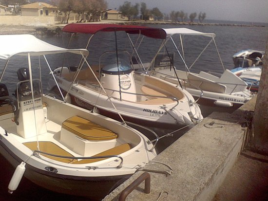 Messonghi, Greece: our boats speed boat -family boat - couples boats .All of out boats have four-stroke engines