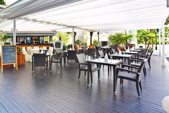 Cocobolo Poolside Bar Grill Picture Of Park Hotel Clarke Quay