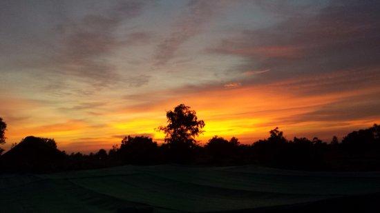 Sisophon, Camboya: Puesta de sol