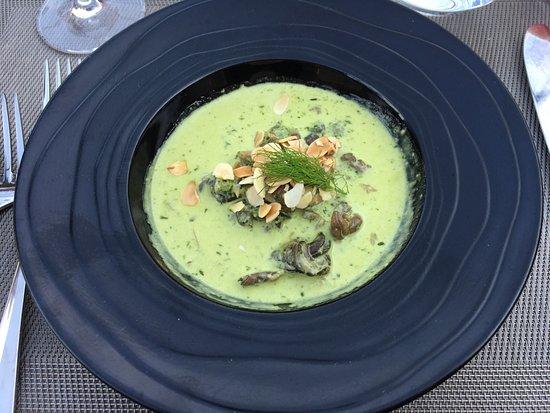 Mittelbergheim, Франция: Suppe mit Schnecken und Pilzen