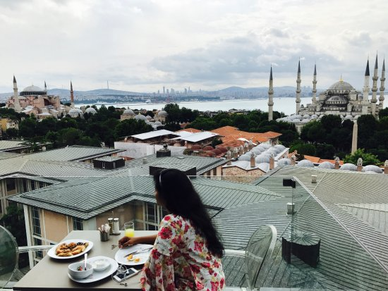Hotel Arcadia Blue: Rooftop Restaurant