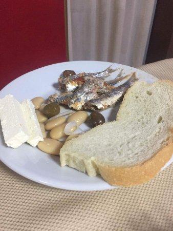 Golem, Albania: Danie główne na kolacje bo nie było nic innego