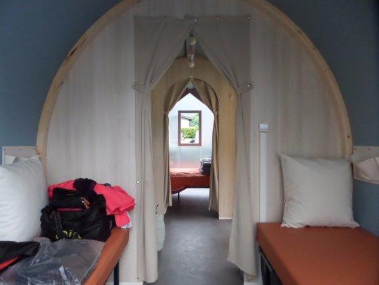 Lathuile, ฝรั่งเศส: deuxième chambre avec 2 lits