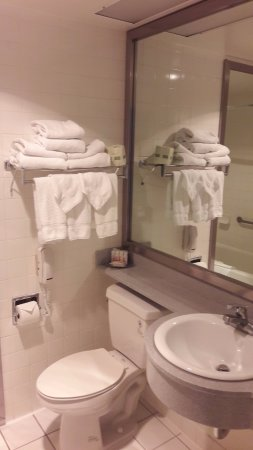 Ramada Plaza West Hollywood Hotel & Suites Picture