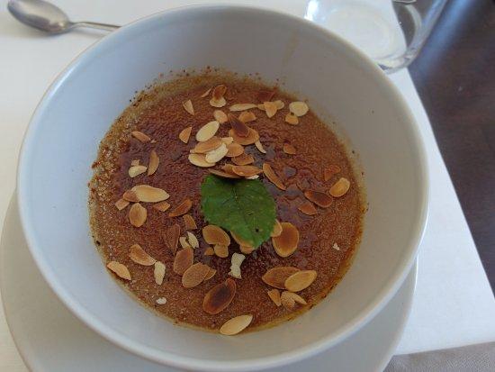 Salies-de-Bearn, France: Crème brûlée pralinée