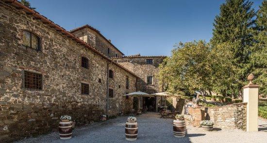 Radda in Chianti, Ιταλία: Il cortile_ the coutyard