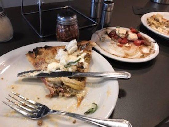 Clayton, GA: Fantastic Pizza