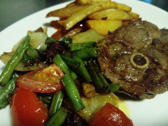 Chef Cafe: Roast Lamb Fillet with Rosemary and Chef-Ragout with Potatoes