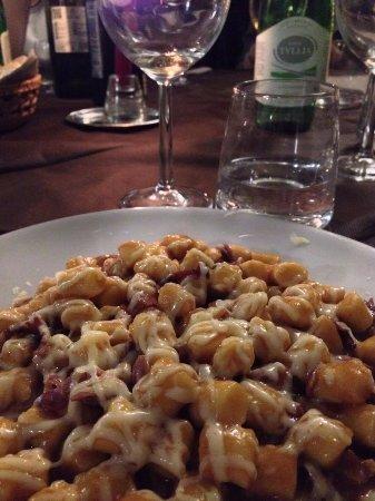Sant'Egidio, Italy: Gnocchetti al Sagrantino, provola e pancetta