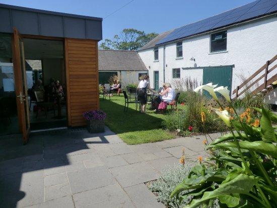 Ballyclare, UK: Courtyard