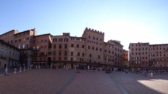 Siena, Italia: piazza del campo