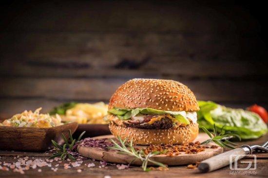 Sfantu Gheorghe, Romania: Eleven Burger