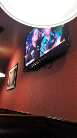 Cornwall, Kanada: Télévision au mur