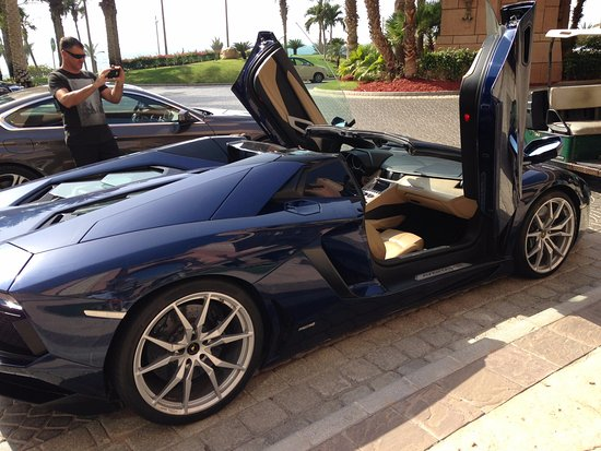 Atlantis, The Palm: Atlantis super car Parking