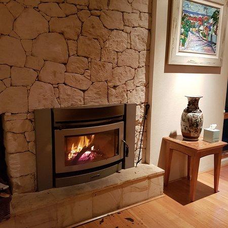 Yallingup Luxury Retreat: Fire Place