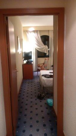 Hotel Sevilla Macarena Photo