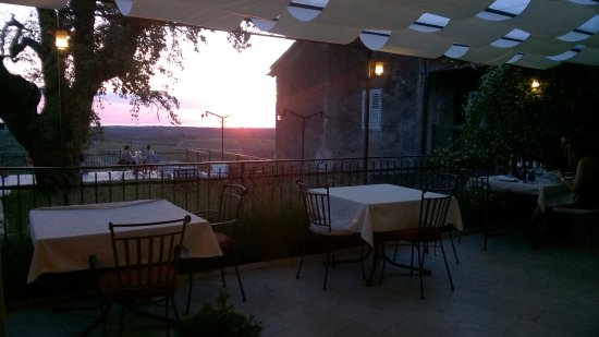 Brtonigla, Κροατία: Nice sunset in Konoba Morgan