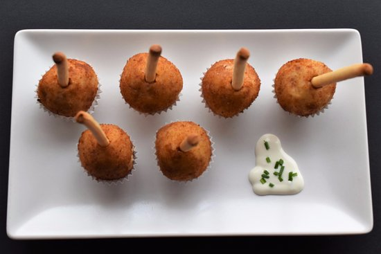 San Sebastian de los Reyes, Spain: Croquetas caseras de pollo y de jamón ibérico con mayonesa de queso, las hacemos cada día