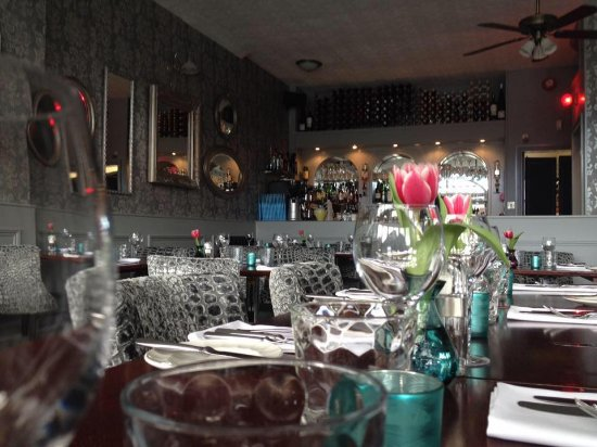 Taylor's Restaurant: Our lovely new interior