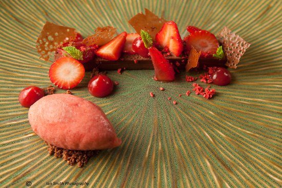 Lewdown, UK: Chocolate & Strawberries