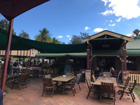 Tamborine, Australia: Outdoor dining