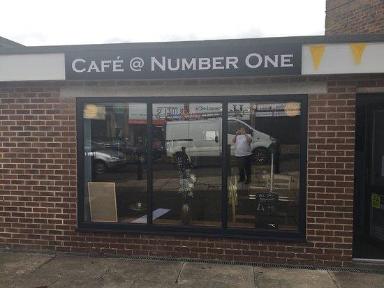 Birstall, UK: Cafe @ Number One