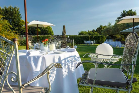 San Pietro in Cariano, Włochy: tavolo in giardino
