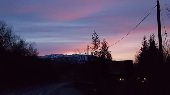 Crianlarich, UK: Sunset just outside of the hotel.