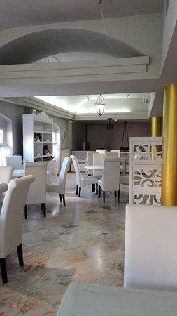 Los Palacios y Villafranca, Spanyol: Salon parte alta