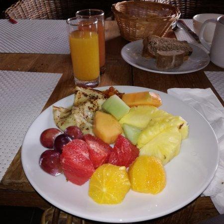 Tamarin: Fruits frais tous les matins au petit déjeuner , un vrai régal !