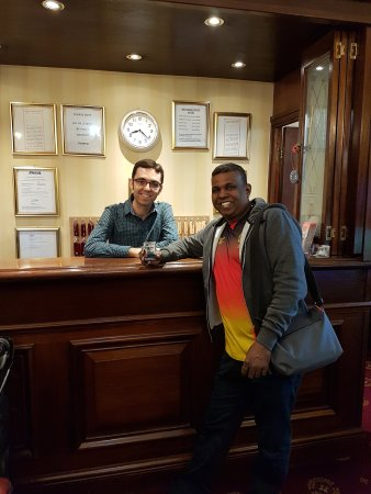 The Balmoral House Hotel : Francisco at your service