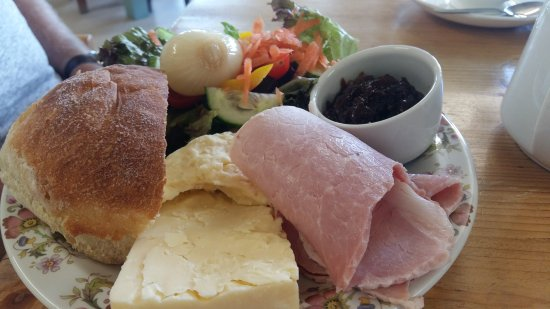 Usk, UK: Fab food, make sure you book!