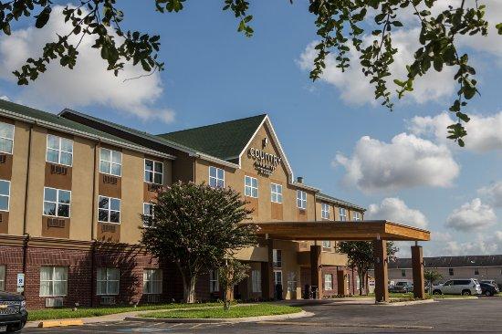 Harlingen, Техас: Exterior Hotel View.