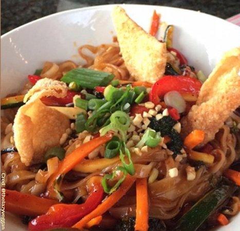 Aurora, Canada: Vegetarian Pad Thai