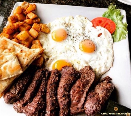 Aurora, Canadá: Steak and Eggs