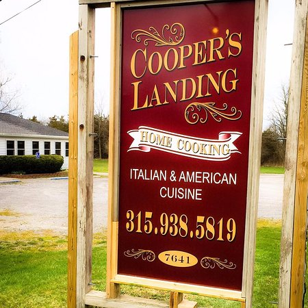 Henderson, Nova York: Welcome To Cooper's Landing Family Restaurant