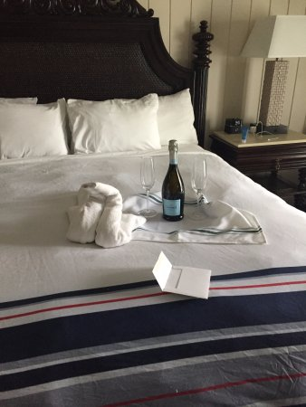 West Street Hotel: Such a nice gesture for our anniversary!
