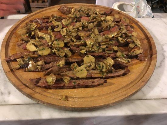 Капанноли, Италия: Tagliata di manzo e porcini