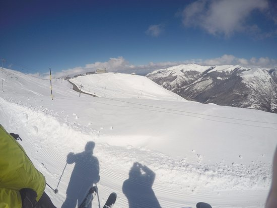 Bagneres-de-Luchon, France: There are 2 Ski Stations within a few minutes of the Villa.