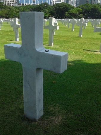 Manila American Cemetery and Memorial: crosses