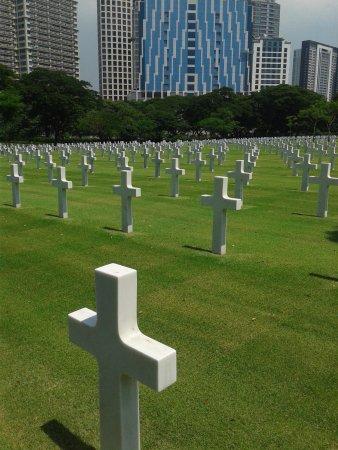 Manila American Cemetery and Memorial: grave