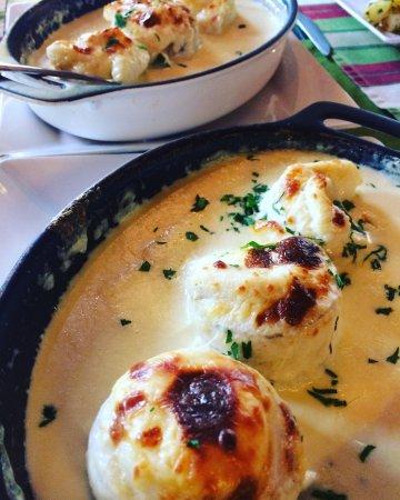 Boicucanga, SP: Montão de trigo! Rolinhos de linguado com queijo e gratinado no forno ao molho de requeijão