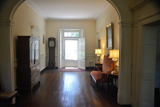 Charles City, VA: Foyer