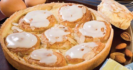 Oak Creek, Wisconsin: Almond Custard Seven Sisters Coffee Cake