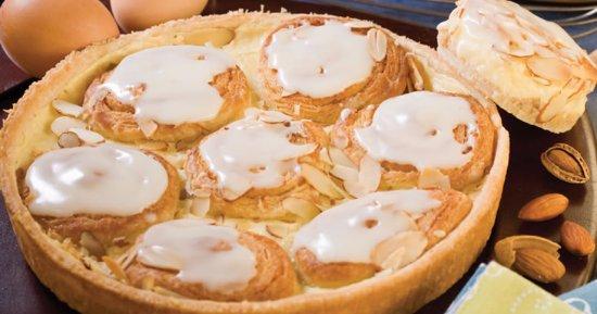 Racine, WI: Almond Custard Seven Sisters Coffee Cake