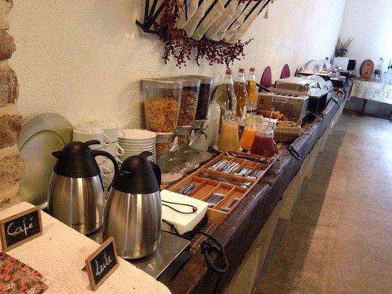 Arraiolos, Portekiz: Pequeno almoço buffet servido no Salão de Caça
