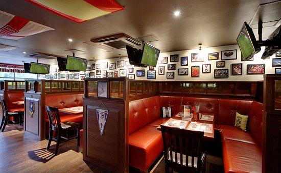 โรงแรมโซคอส โอลิมเปียการ์เดน: Sports bar 84